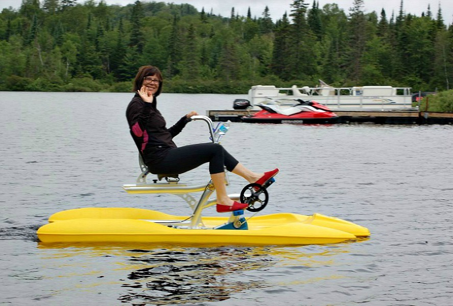 1 person water bikes. Pics of Water bike pedal boats by itBikes water bikes.